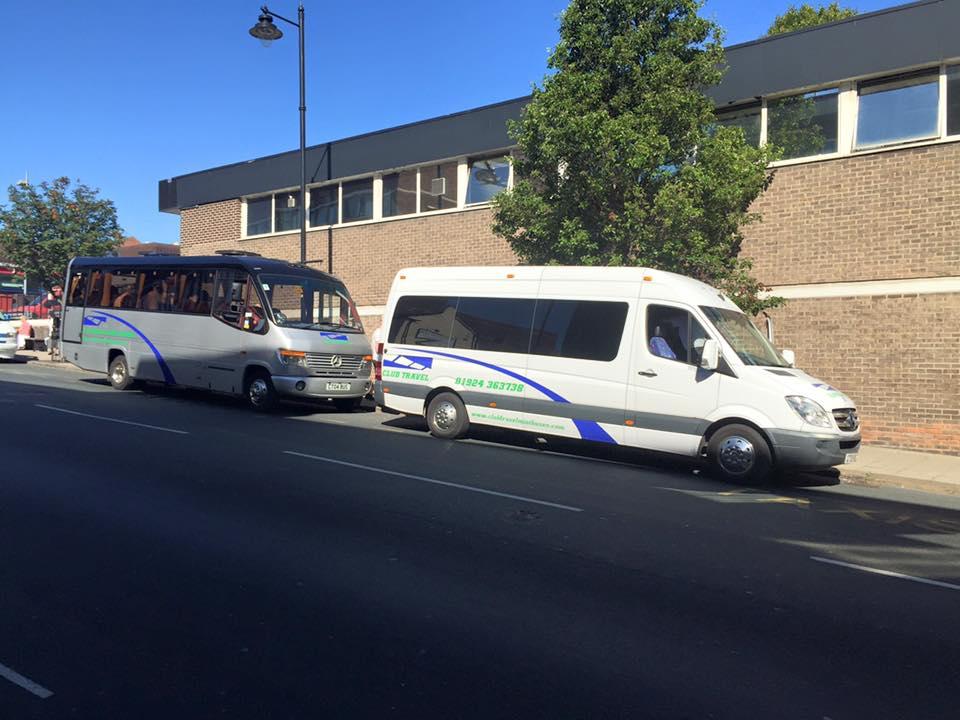 far view of the minibus