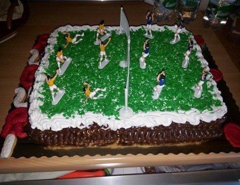 torte per bambini, torte a forma di stadio, torte con panna