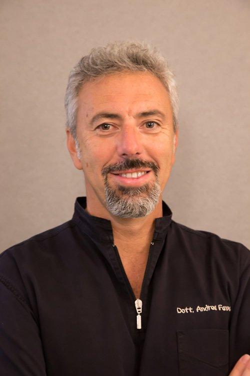 Il dott. Andrea Fava, co-titolare dello studio dentistico