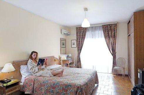 Camera matrimoniale Hotel Sogno Novara