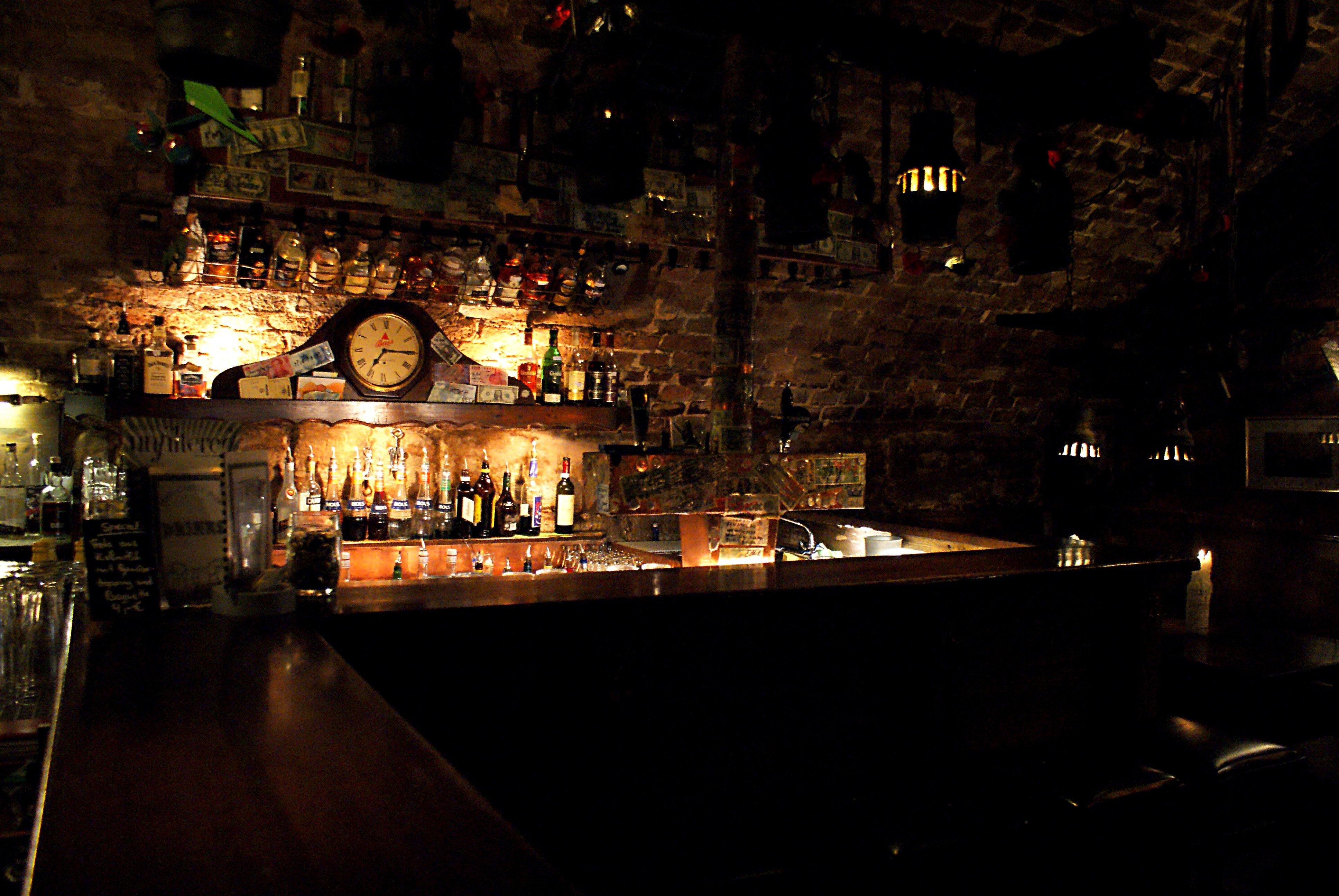 Charmant Bars Für Den Keller Galerie - Images for inspirierende ...