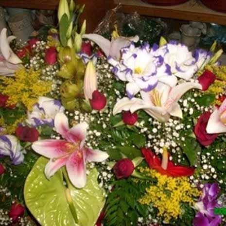 mazzo di fiori colorato