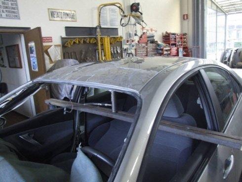 Riparazione tettuccio automobile