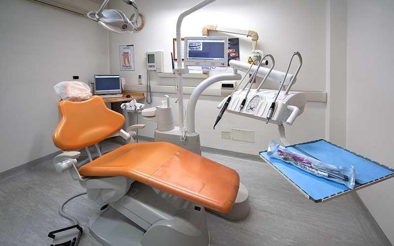 riparazione immediata protesi dentaria