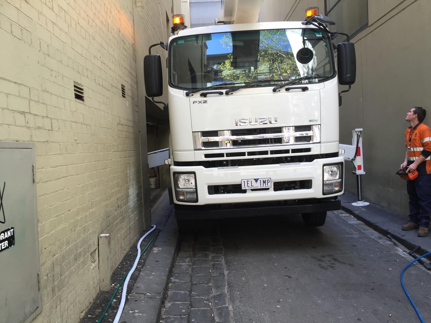 Pressure Cleaning | Building Facade Melbourne | Traffic Control | EWP Access | Wall Cleaning