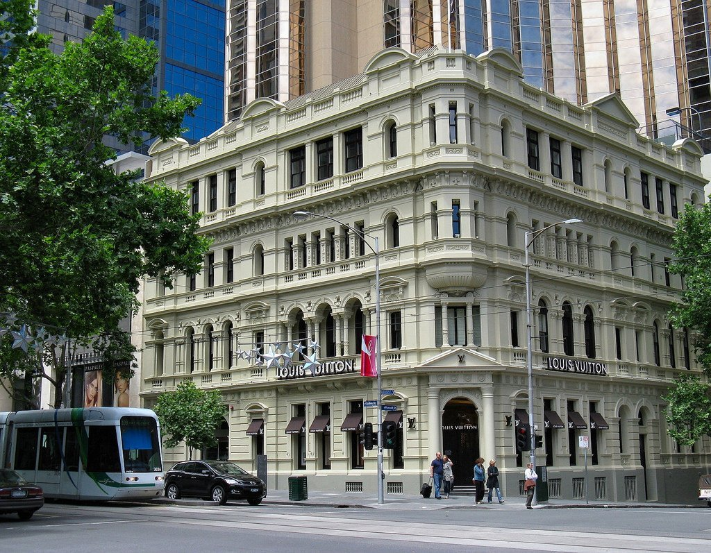 Pressure Cleaning | Building Facade Melbourne | Steam Cleaning | Heritage Building | Wall Cleaning