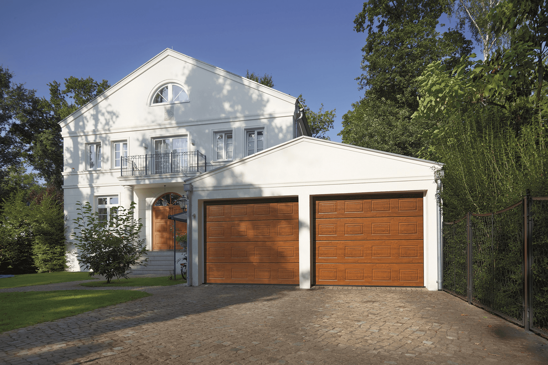 Mark Reid Garage Doors Garage Door Specialists In Gloucestershire
