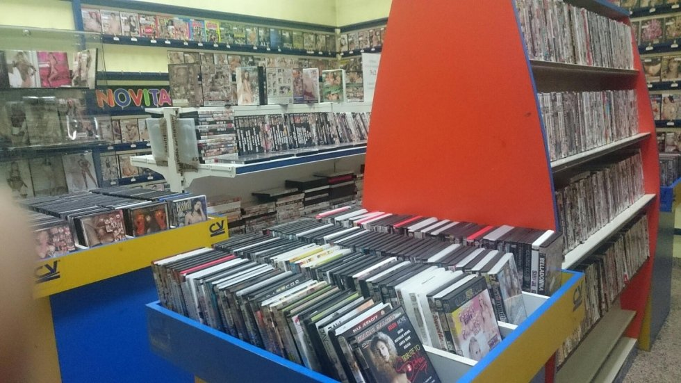 vendita e noleggio video hard