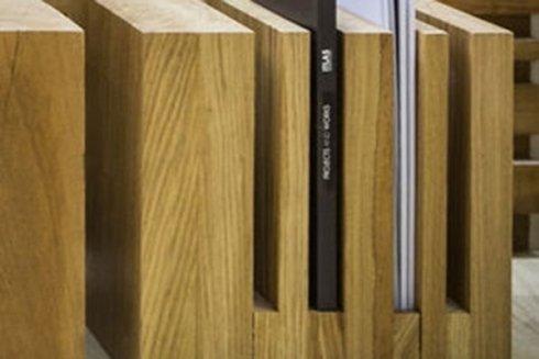 Oggetti di arredo in legno