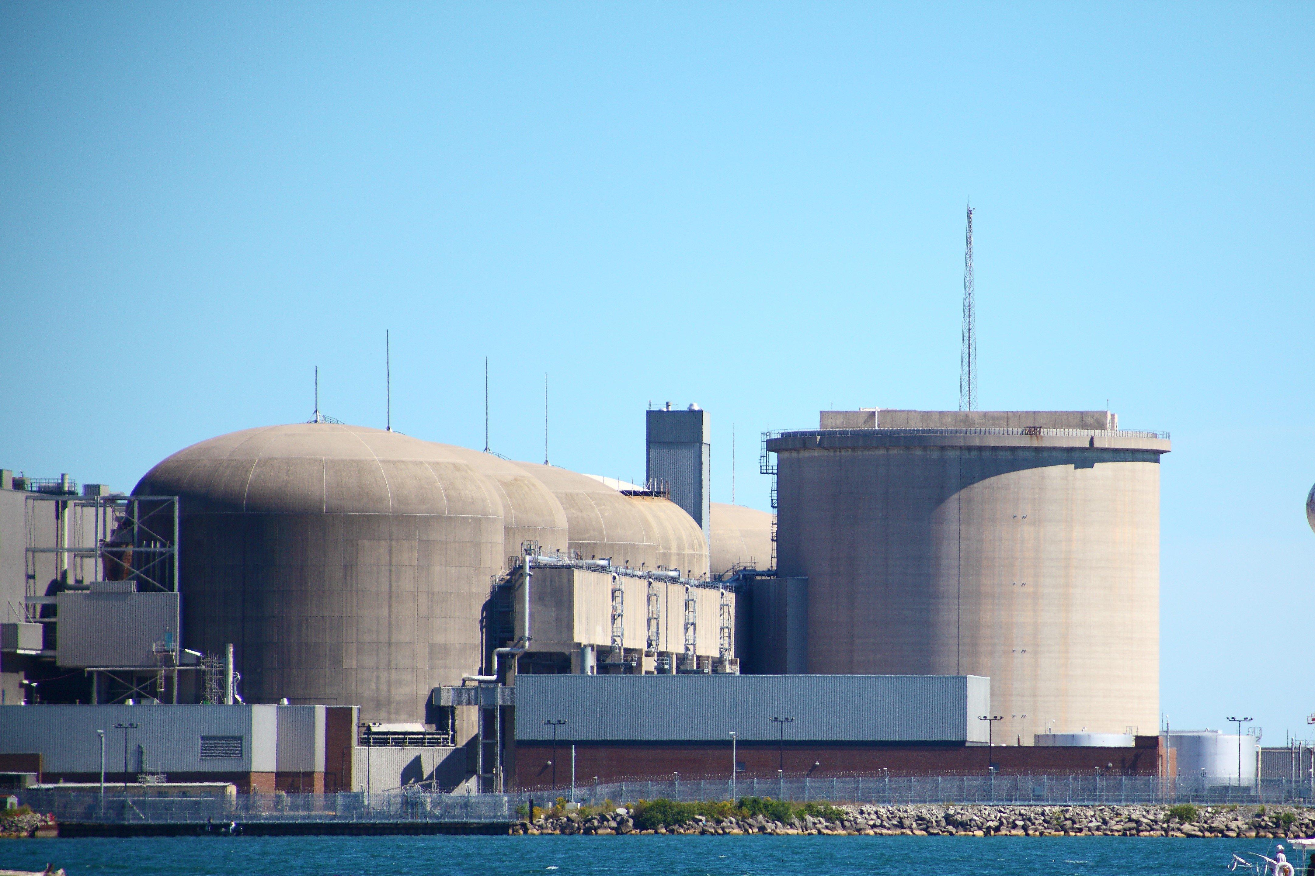 Inspecting nuclear reactors: CANDU