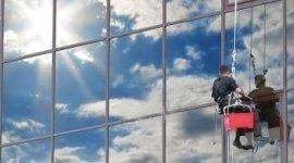 Pulizia di vetri