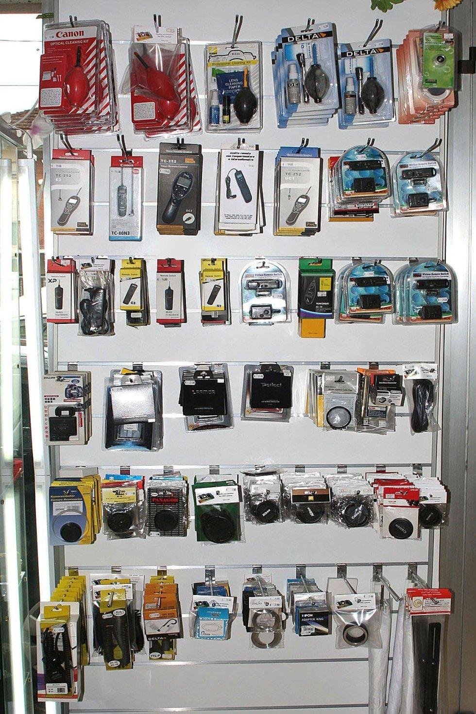 Kit pulizie, telecomandi, tappi, cavi ttl