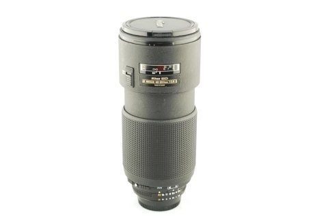Nikon 80-200 D f 2,8