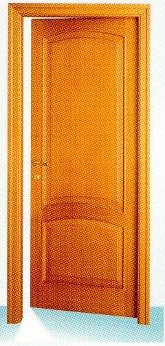 Porta in legno a Lecco