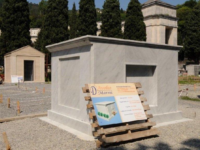 Sepoltura cimitero Ferrari srl