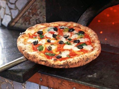fornitura forni a legna per pizzerie Treviso