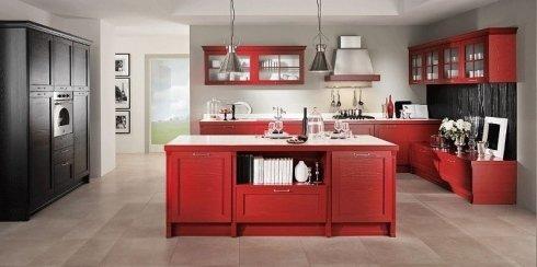 cucina in legno colorato rosso