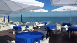 ristorante tavoli all'aperto