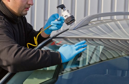 Finest expert providing windshield repair service in Troy, MO