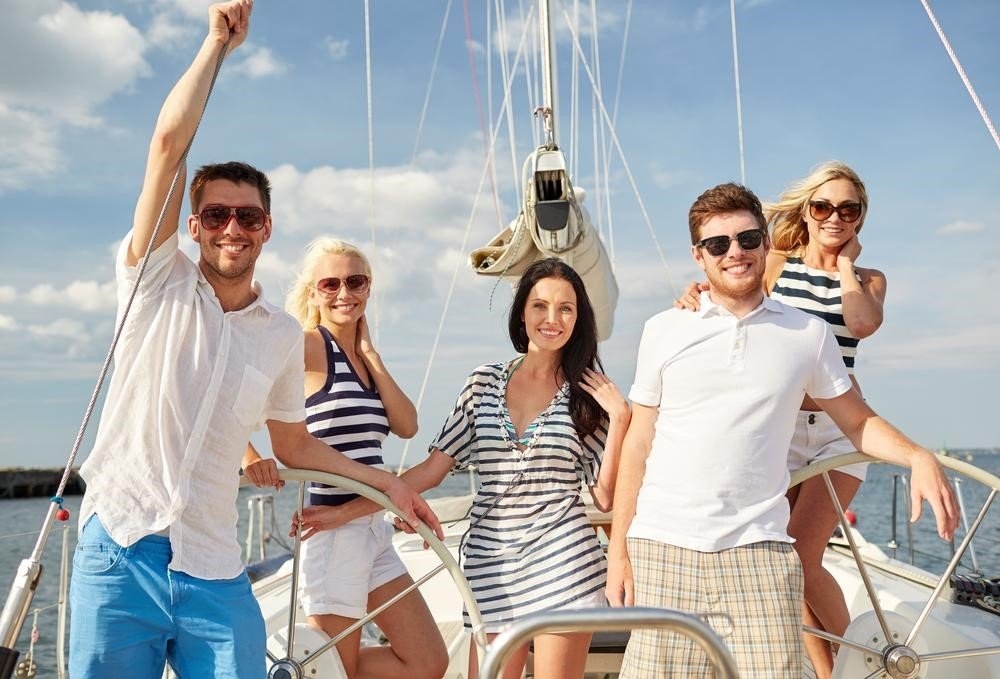 Help to Fling a Night Yacht Party - Magazine cover