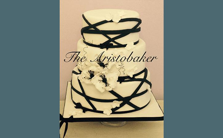 wedding cake black&white