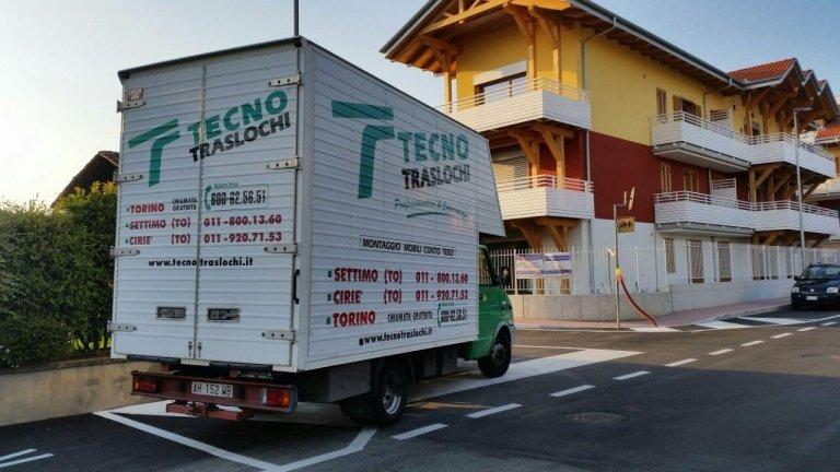 furgone con scala
