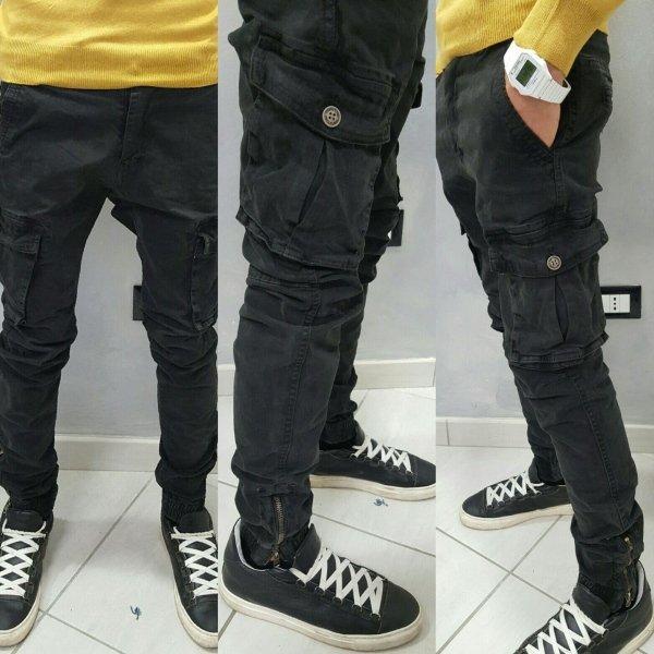 pantalone cargo con elastico e zip alla caviglia