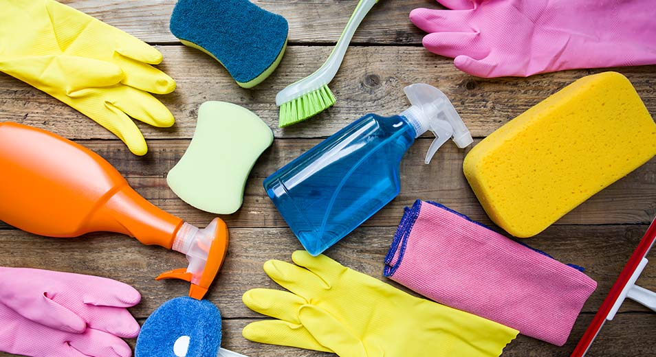 weclean melbourne spring cleaning liquid and equipments with safety gloves
