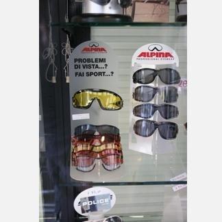 Occhiali da vista, occhiali da sole, lenti a contatto