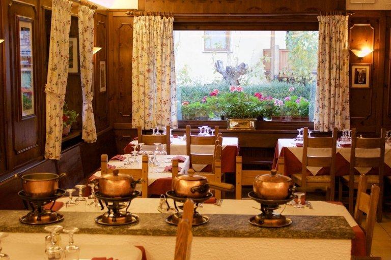 raclette fondute bourguignonne chinoise courmayeur monte bianco