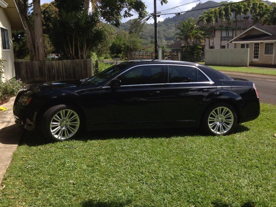 Luxury vehicles and high class chauffeur service on the island of in Kapaa, HI