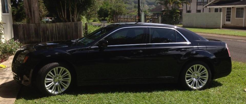 Luxury vehicles and high class chauffeur service on the island of Kauai Hi