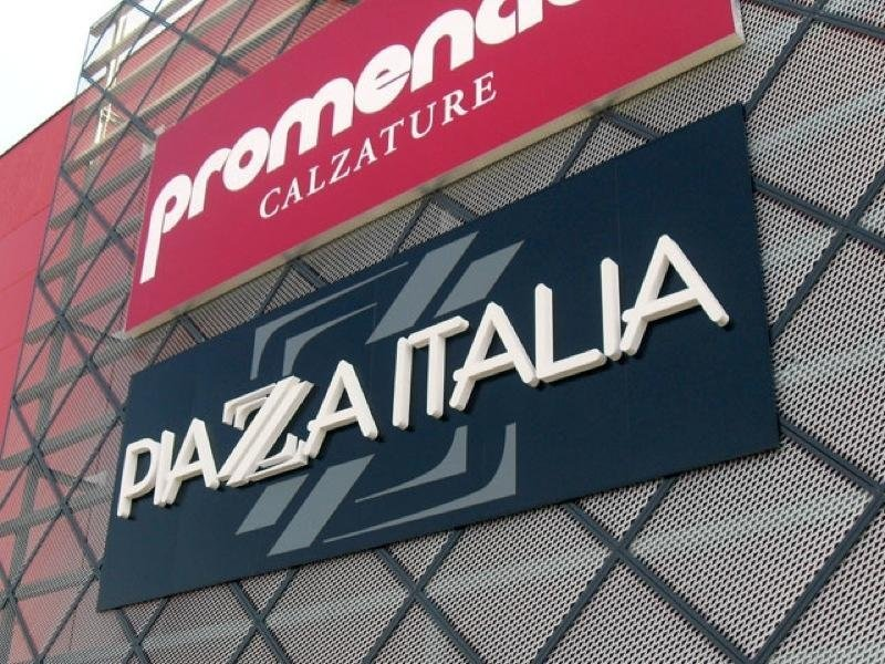 insegna franchising piazza italia
