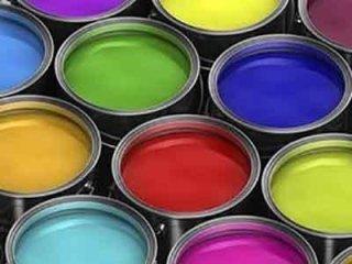 latte di vernice colorata
