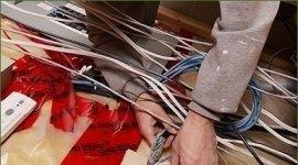 ; installazione di citofoni,  installazione impianti elettrici civili, installazione salvavita