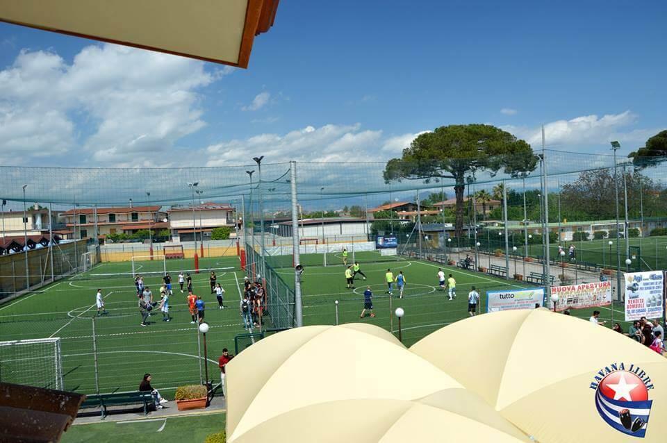 campo da calcio visto dall' alto