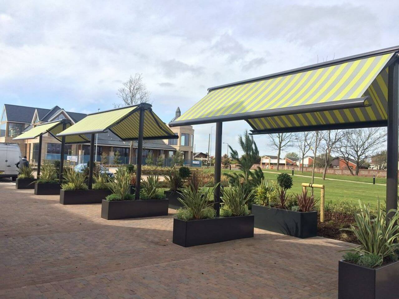 Markilux syncra awnings in a pub beer garden