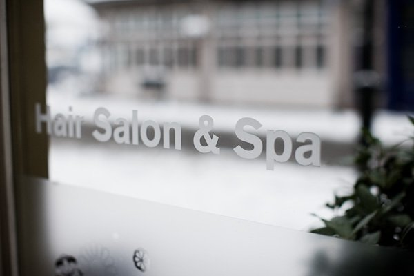 salon and spa window lettering