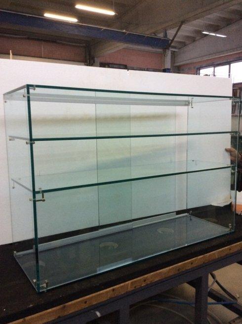 scaffale in vetro
