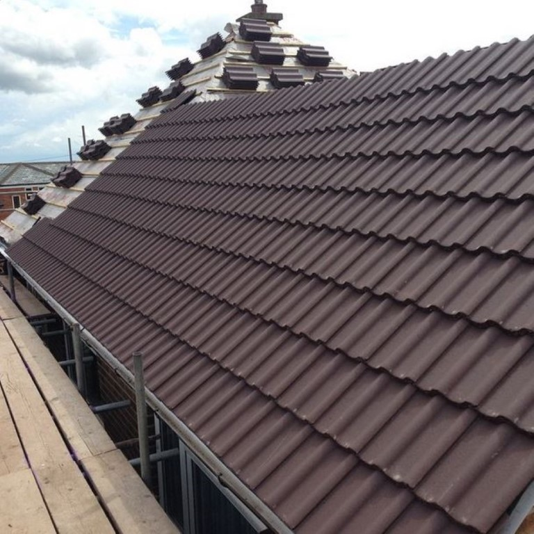 side view of slate roof