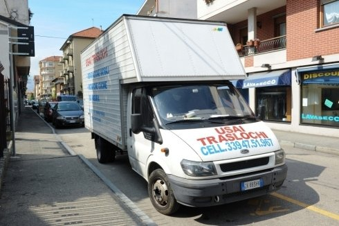 ditta di traslochi e trasporto mobili ed elettrodomestici