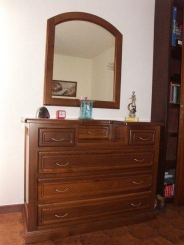 Cassettiera e specchio, specchio, cassettiera intarsiata