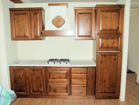 Cucina legno con venature a vista, cucina legno massello, cucina su misura