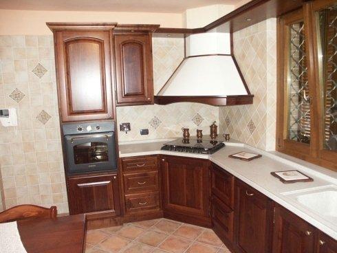 Cucina angolare, cucina con forno, cucina con elettrodomestici