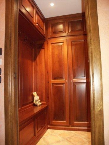 Ingresso con specchiera, ingresso con ante laccate, mobili in legno per ingresso