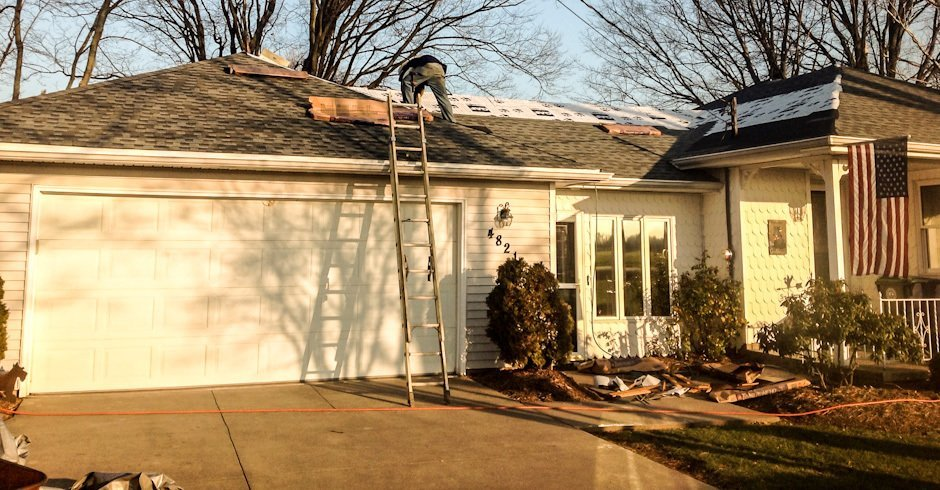 roofing repair contractor - Williamsville, NY
