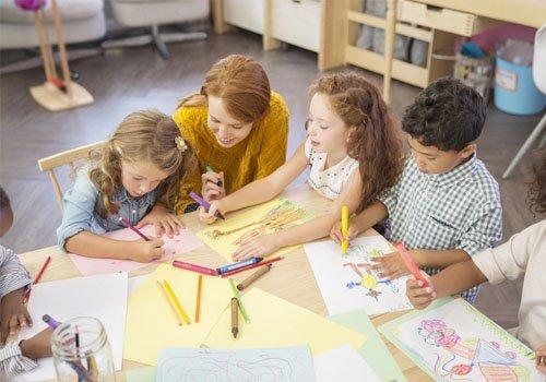 Teaching helping children to draw