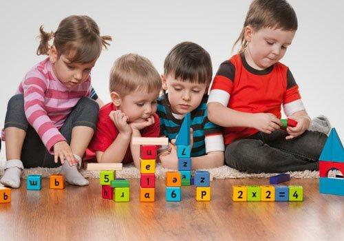 children playing block games