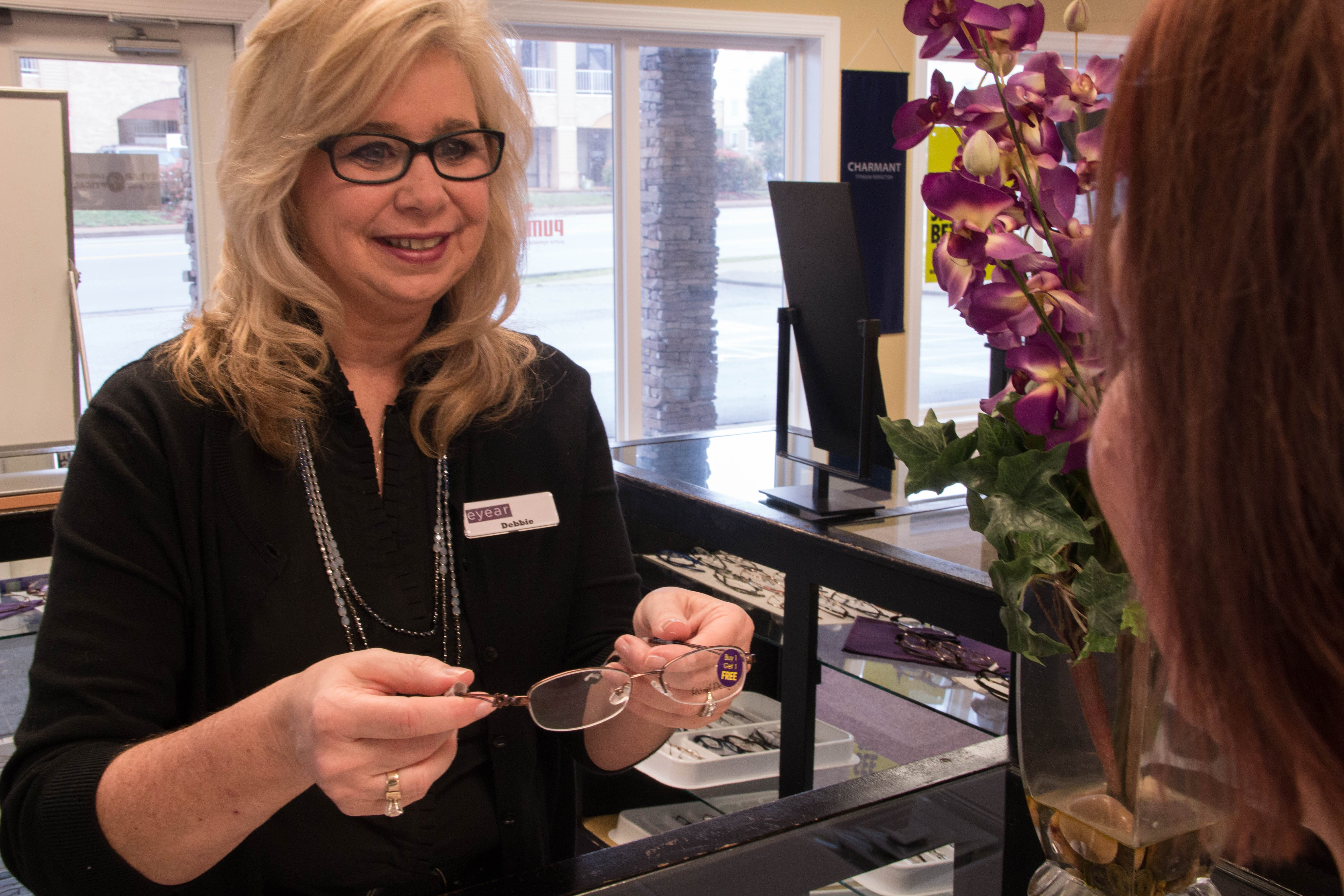 Eyeglasses and customer service