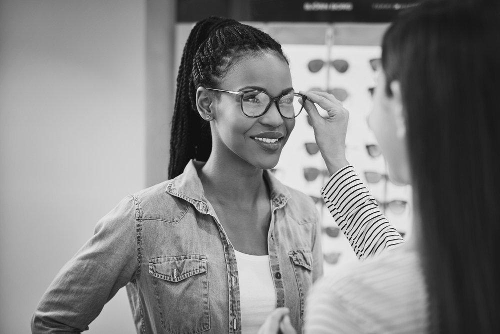 trendy eyeglasses in